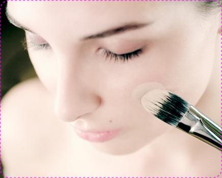rosto-pincel-base-maquiagem-436