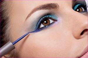 como-usar-delineador-colorido-fotos1