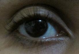 Este é meu olho sem máscara e outras maquiagens
